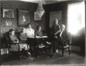 1925 Family